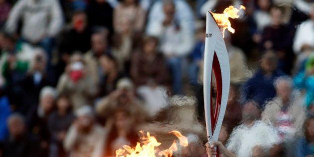 JO Sotchi 2014: un relayeur russe de la flamme olympique meurt d'une crise