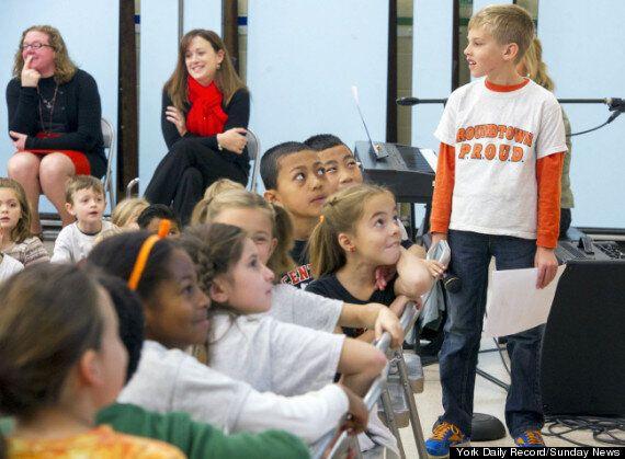 Solitude à l'école: un enfant crée un «banc de l'amitié» pour y