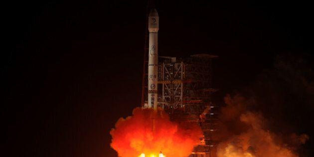 Chine: Un premier atterrissage sur la Lune depuis près de 40
