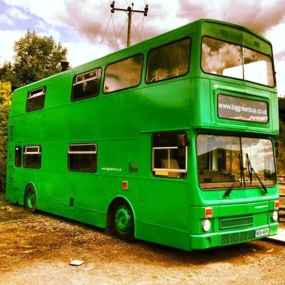 Un autobus anglais transformé en hôtel