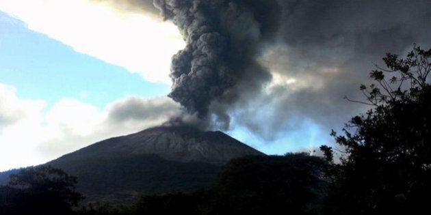 Salvador: Un volcan en éruption force l'évacuation de la population vivant à