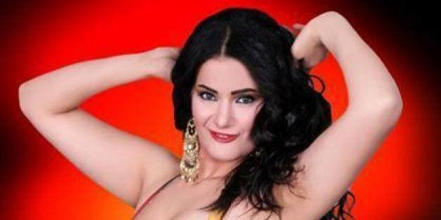 Égypte: Une danseuse du ventre déclare la guerre aux Frères
