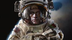 Van Damme va encore plus loin avec son grand écart...