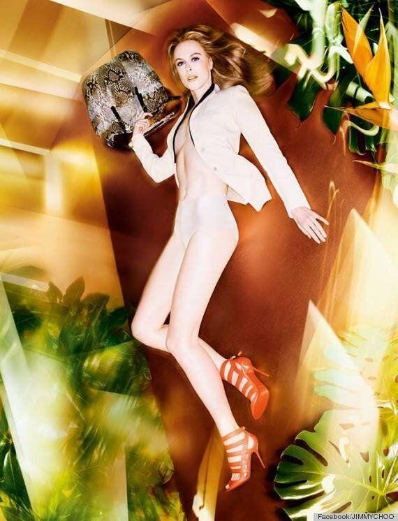 Nicole Kidman pose seins nus pour la marque Jimmy Choo