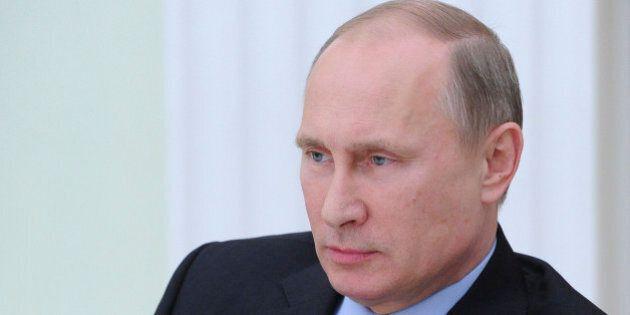 Poutine veut une «élimination totale» des terroristes après les attentats de