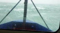 La vidéo impressionnante d'une tempête filmée de la cabine d'un bateau