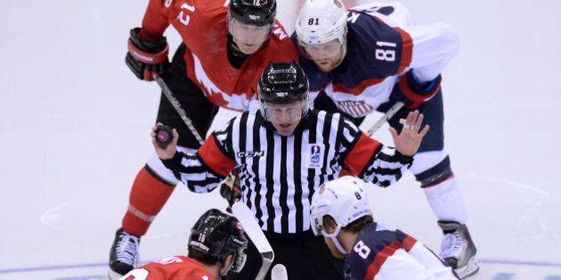 Sotchi 2014: le choix des arbitres pour la finale de hockey soulève un tollé en