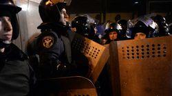 Ukraine: la police échoue à déloger les manifestants, qui crient victoire