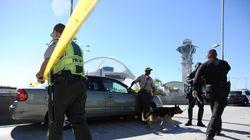 Fusillade à l'aéroport de Los Angeles: le suspect maintenu en