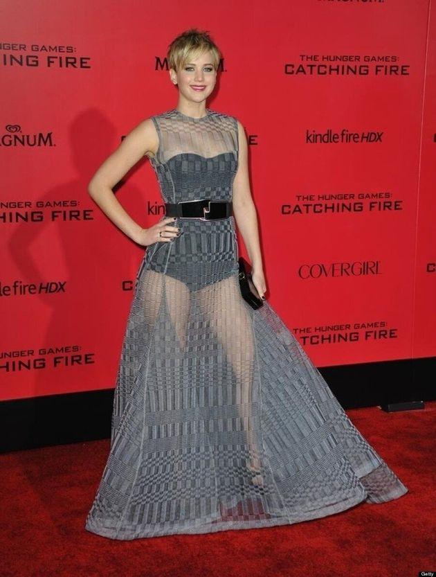 Oscars 2014: Les meilleurs (ou pires) moments de Jennifer Lawrence sur le tapis