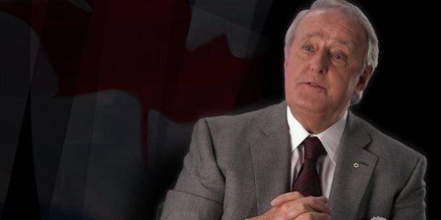 Brian Mulroney invite Stephen Harper à laisser tomber les visas pour les Mexicains