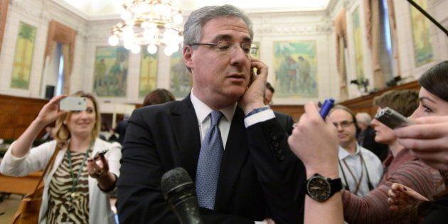 Transparence des agents de l'État: le projet de loi conservateur est remis en