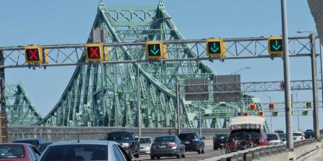 Ottawa enquêtera sur les paiements douteux pour la réfection du pont