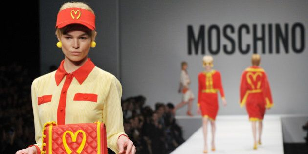 Fashion Week de Milan: Moschino et les ensembles McDo de Jeremy Scott
