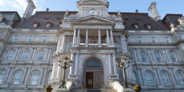 Montréal: l'administration Coderre coupe trois