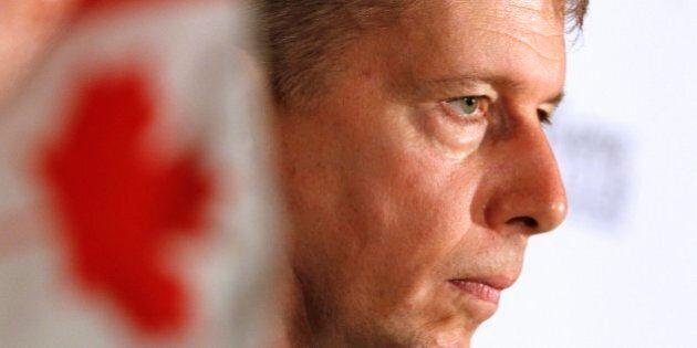 Frais de déménagement: l'ex-général Andrew Leslie accuse les