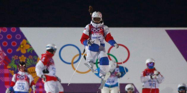 Sotchi : en skicross, la Russe Maria Komissarova se blesse sérieusement à la colonne