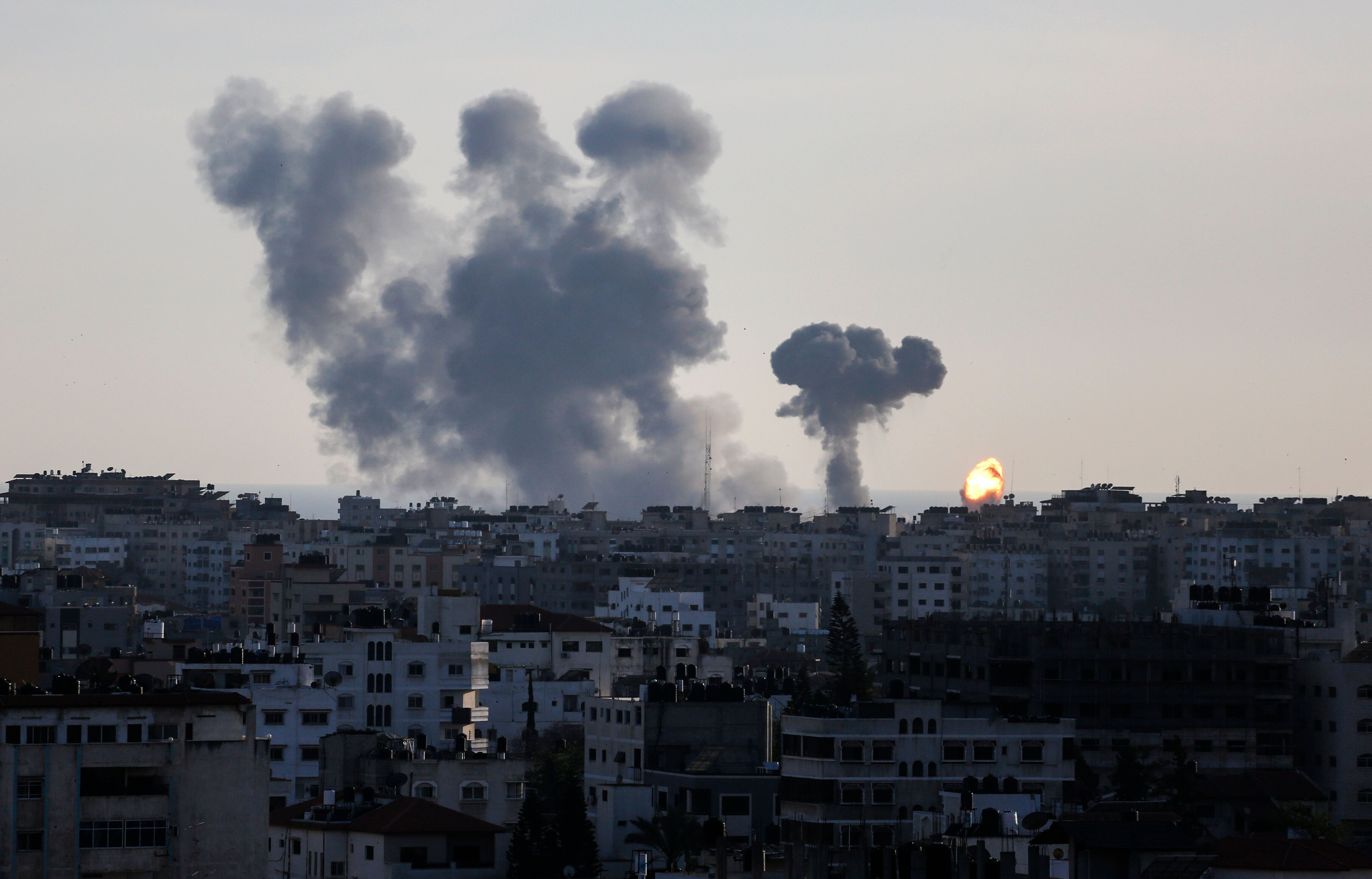 이스라엘이 팔레스타인에 보복 공습을