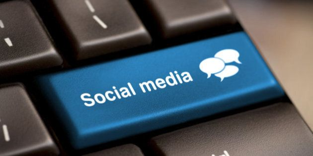 social media button on