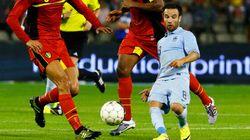 Est-ce que ce joueur de soccer est un nain