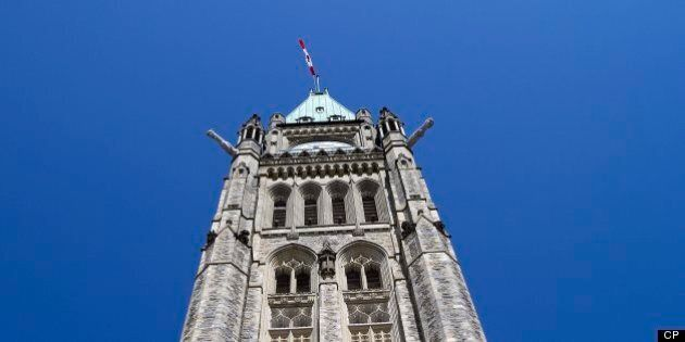 Ottawa resserre les règles pour les travailleurs étrangers