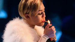 La nouvelle provocation de Miley Cyrus: fumer un joint sur