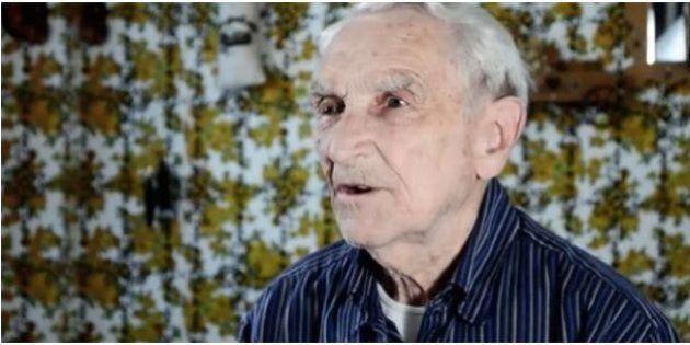 À 96 ans, il se retrouve dans le top 10 iTunes des