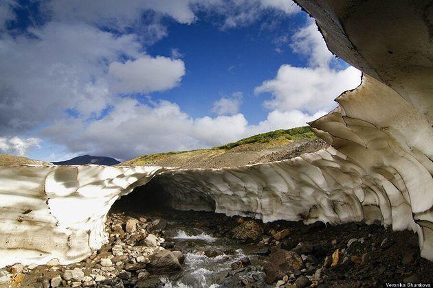Une grotte de glace en Russie