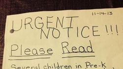 Une enseignante envoie une lettre aux parents pour se plaindre de l'odeur des