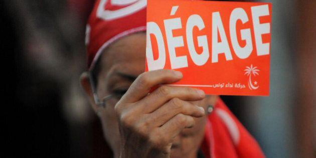 Des milliers de Tunisiens réclament la démission du