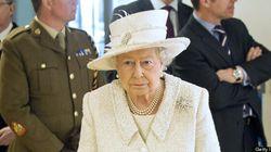 La reine Élisabeth II réduit ses