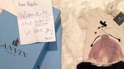 La petite fille de Kim Kardashian est gâtée à la Semaine de la mode à Paris