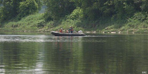 Québec confirme la présence de pétrole au fond de la rivière