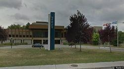 La mairie de Laval réclame la suspension de son