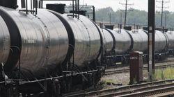 Ottawa s'attaque au transport de pétrole brut par train: la matière sera classée hautement