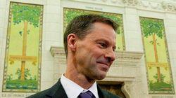 Le chef de cabinet de Harper contrôlait une caisse