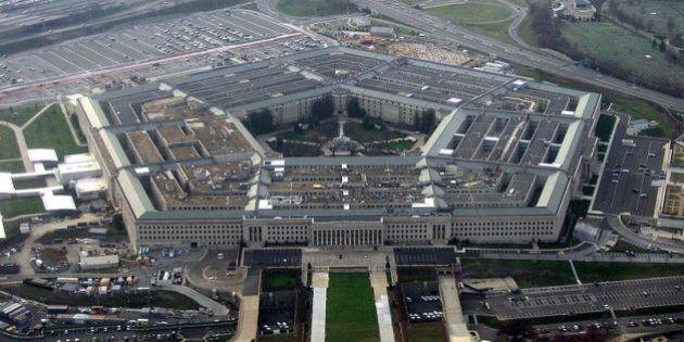 Au Pentagone, remplissez le formulaire si vous apportez une bombe au