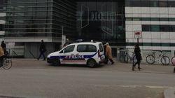 Tirs au journal «Libération»: des policiers déployés devant les grands médias