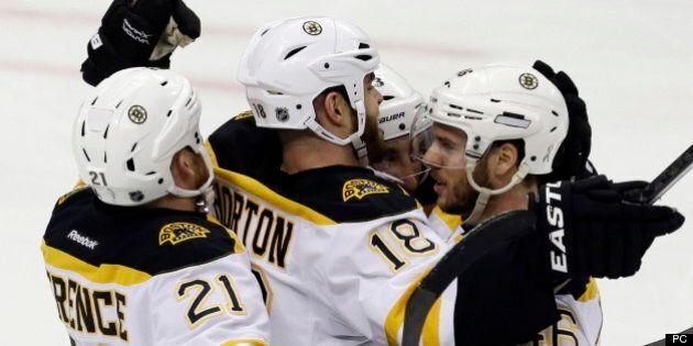 Les Bruins s'imposent face aux