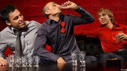 Les jeunes fument, boivent, mangent mal, et