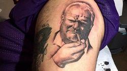 Un tatouage de Rob Ford avec une pipe à crack