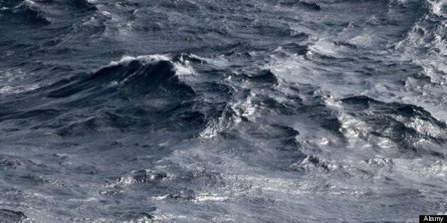 Un déversement toxique dû au bris d'une digue minière survient à la Baie