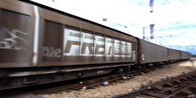 Saintes, Charente-Maritime: un wagon d'un train de marchandises déraille suite à une rupture d'essieu,...
