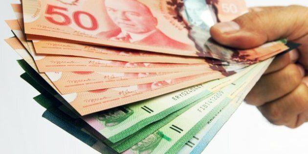 Les Canadiens sont de plus en plus riches; leur valeur nette atteint 400 000