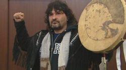 Le ministre des Affaires autochtones chahuté à