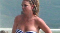 Britney Spears, très sexy dans un mini bikini