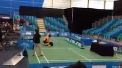 Un match de badminton se transforme en bagarre
