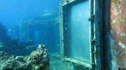Un bar de danseuses sous-marin oublié