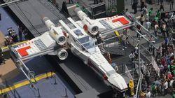 Un vaisseau de Star Wars grandeur nature sur Times Square