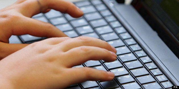 Surveillance en ligne: de nombreuses informations étaient à la